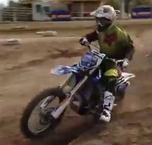 Video: Motocross Riding Tip - How to Ride Ruts