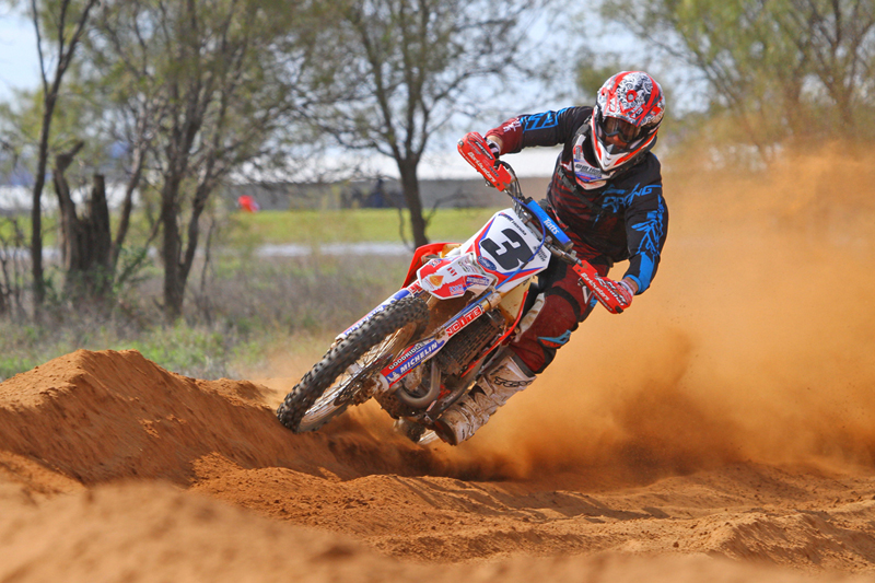 Smith Brothers Lead Honda Domination In 2013 Finke Desert Race