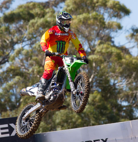 Crash Robs In Form Jay Marmont At Mt Gambier Supercross