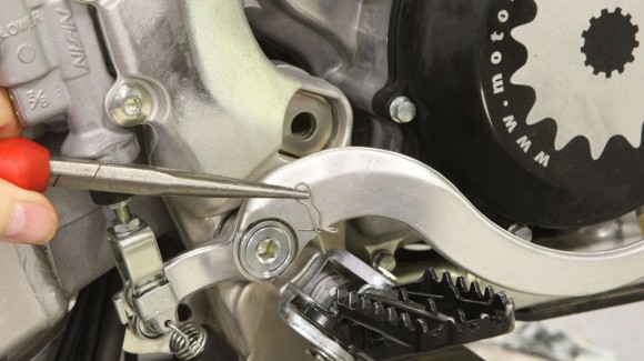 Tech Tip: Replacing Your Footpegs