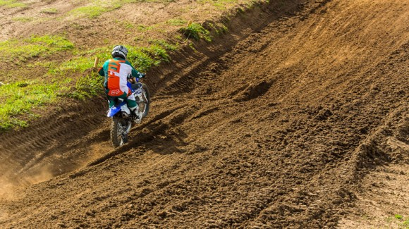 Motocross Riding Tip: Straight Line Ruts