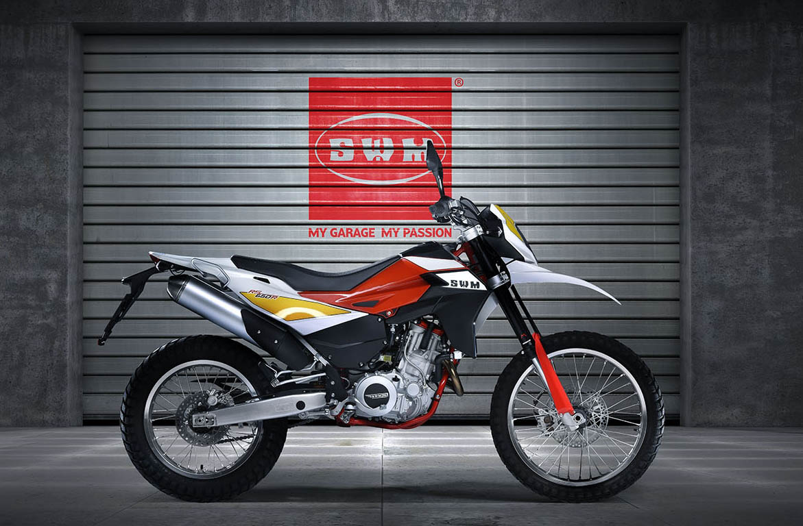 RS 650 R INTRODUCTORY PRICE PLAYS ON