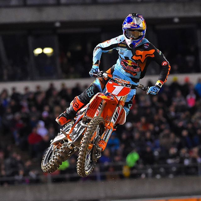 Three Straight for Dungey