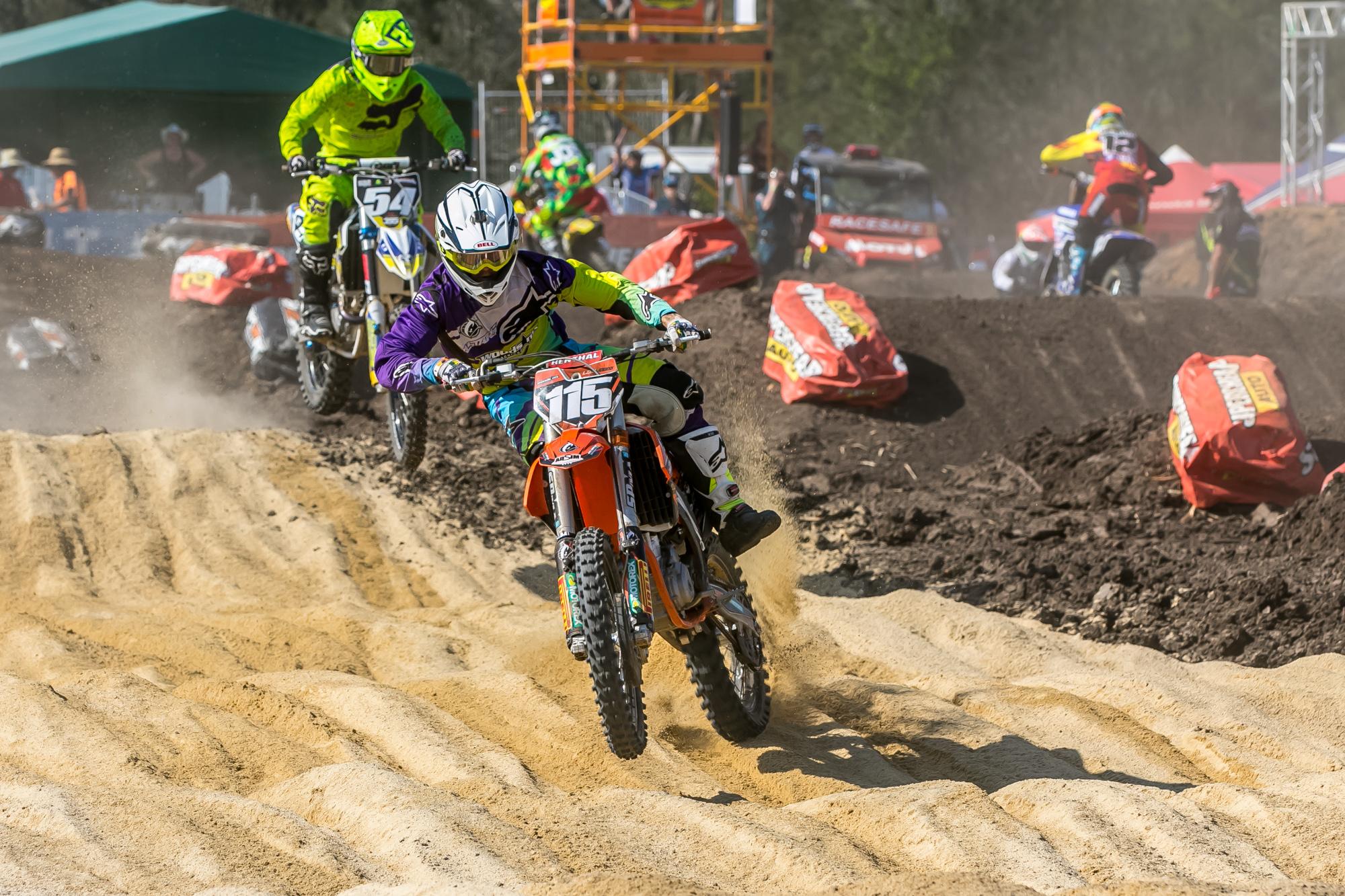 2015 ASX Round 4   Dirt Action-13