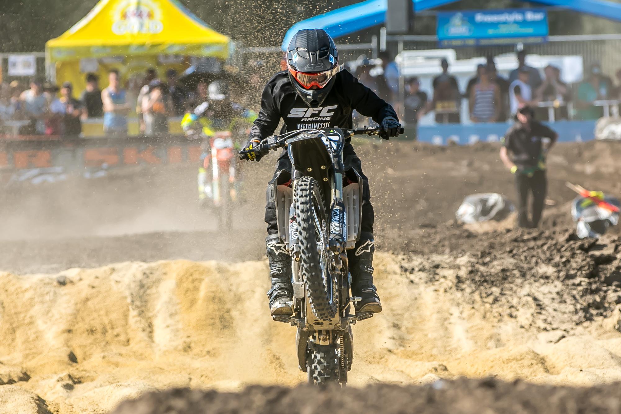 2015 ASX Round 4   Dirt Action-14