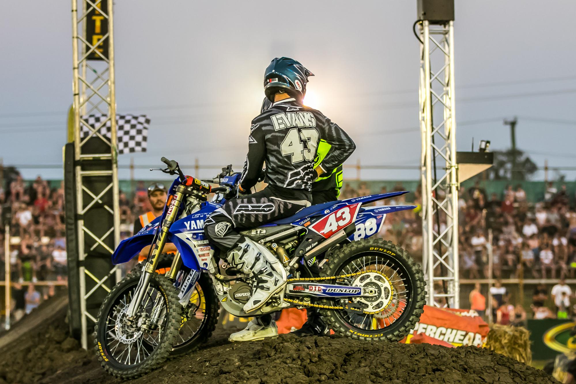 2015 ASX Round 4   Dirt Action-30