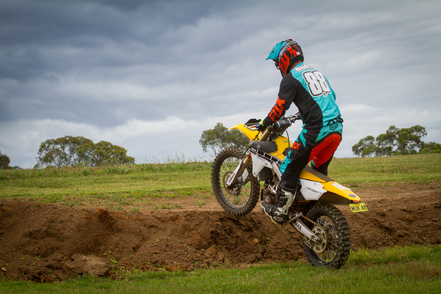 Trail Tip: Clutch-pop Wheelie