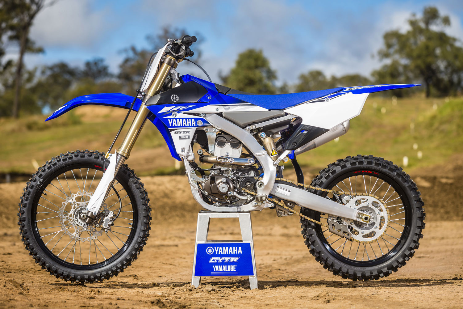 The all new 2017 yz250f dirt action for 2017 yamaha yz450f