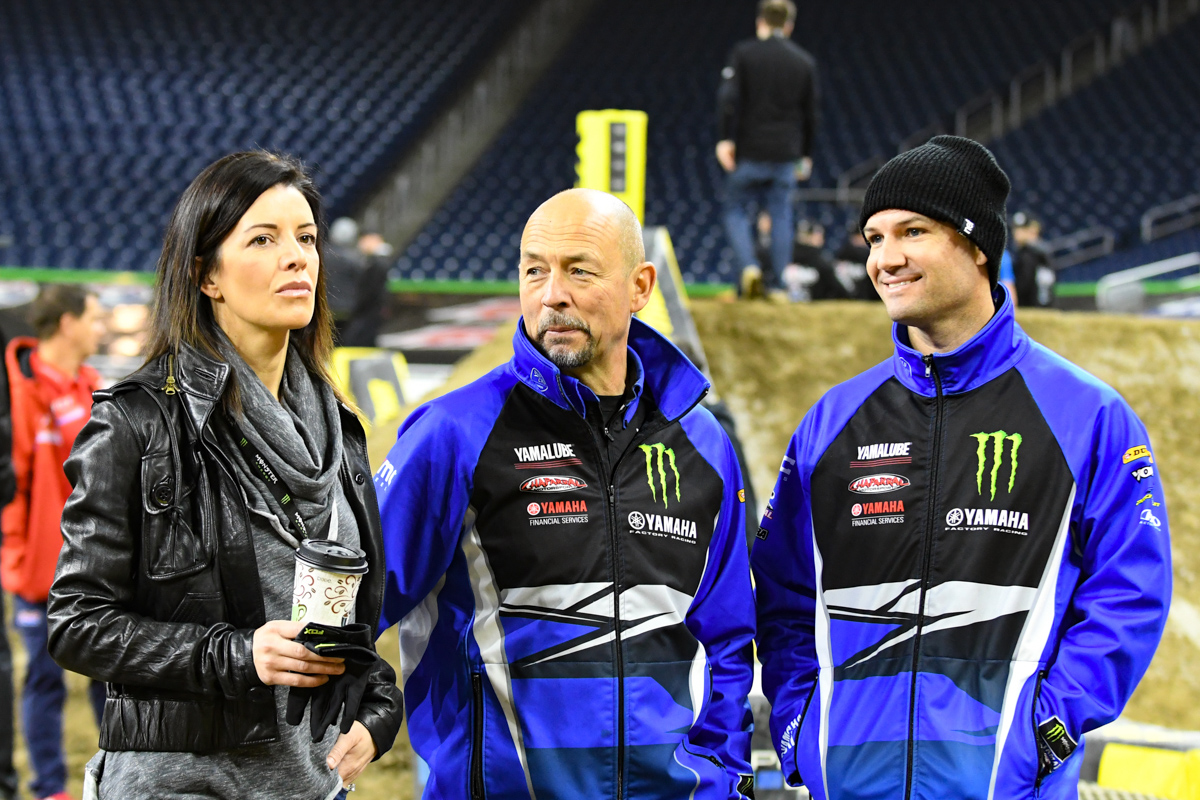 Chad Reed - Monster Energy Factory Yamaha with his closest advisors at the Detroit Monster Energy Supercross.