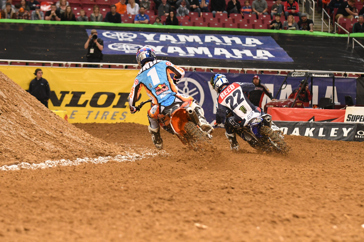 Chad Reed - Monster Energy Factory Yamaha matches Ryan Dungey - Red Bull KTM speed in their heat race at the St Louis Monster Energy Supercross.