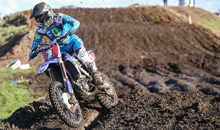 Dean Ferris charges to fourth overall Mx Nationals win