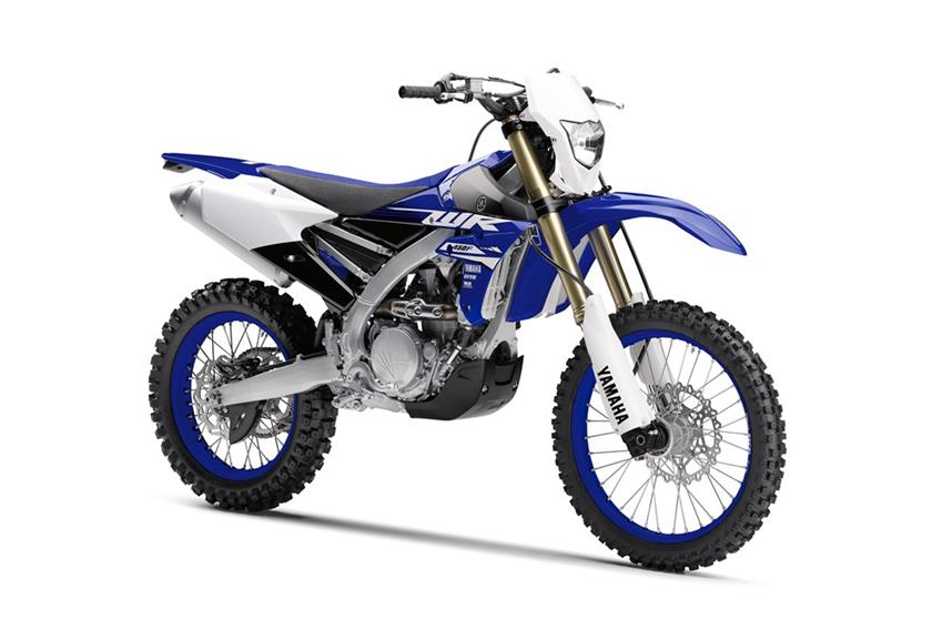 2018 yamaha wr450f and wr250f dirt action. Black Bedroom Furniture Sets. Home Design Ideas