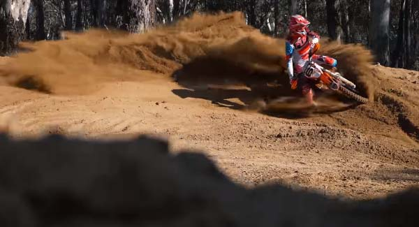 VIDEO: KTM300 EXC RAW | LIFE OF LOAM