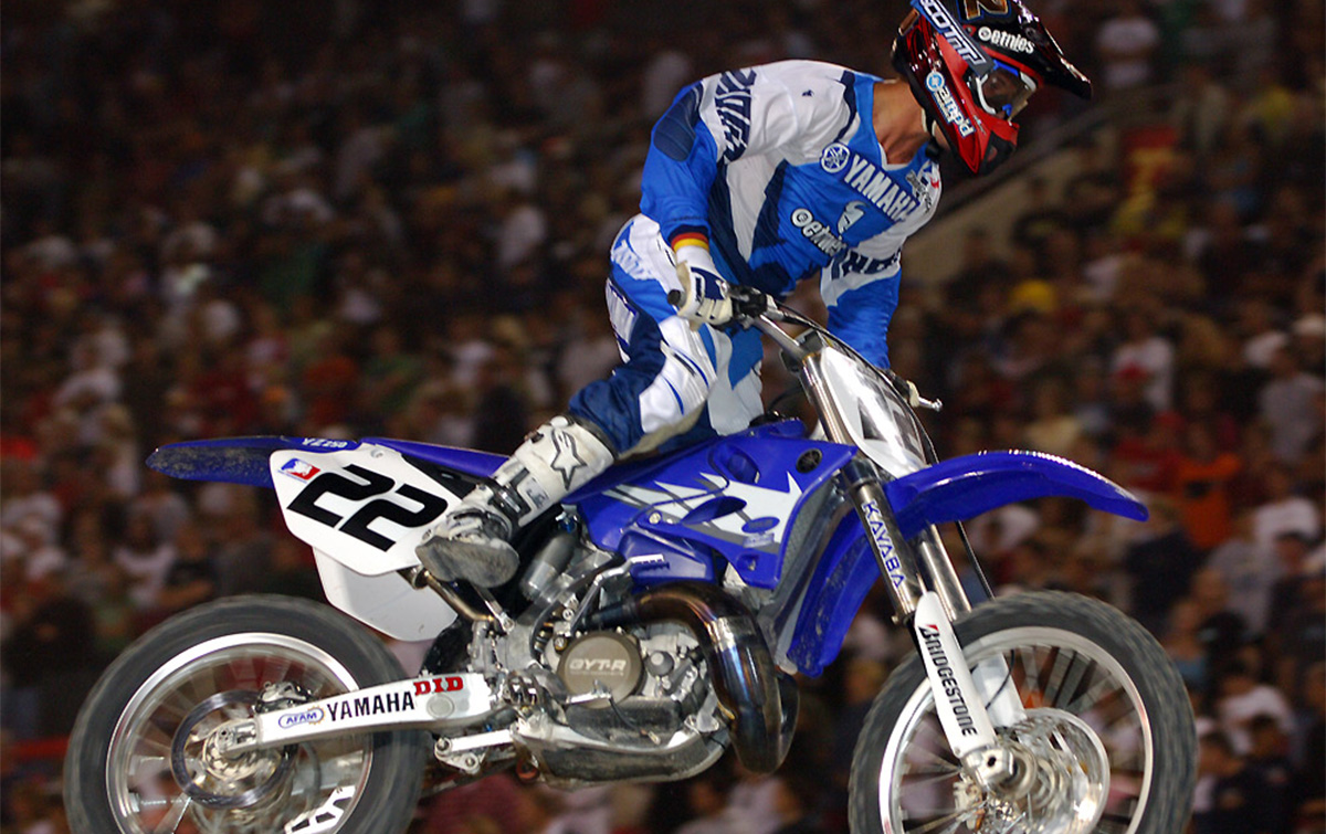 VIDEO: BAR 2 BAR - 2005 AMA SUPERCROSS CHAMPIONSHIP